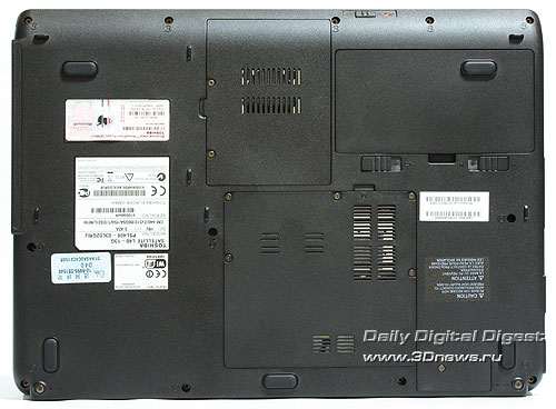 Toshiba Satellite L40. Вид снизу